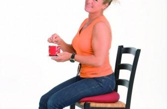 Die richtige Sitzhaltung: So hilft Ihnen ein Keilkissen